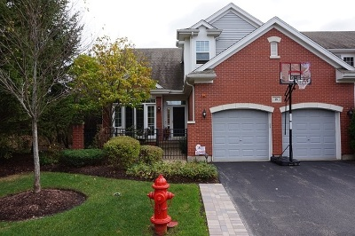 Lake Zurich Condo/Townhouse Re-Activated: 21 Lakebreeze Court