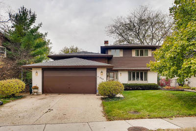 Carol Stream Single Family Home Contingent: 520 Flint Trail