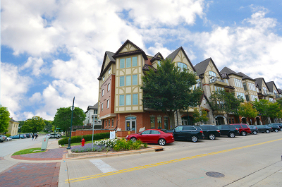St. Charles Condo/Townhouse Contingent: 350 South 1st Street #401