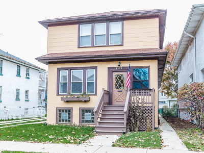 Oak Park Single Family Home For Sale: 1153 Clarence Avenue