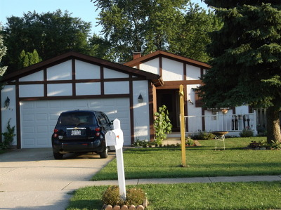 McHenry IL Single Family Home New: $149,900