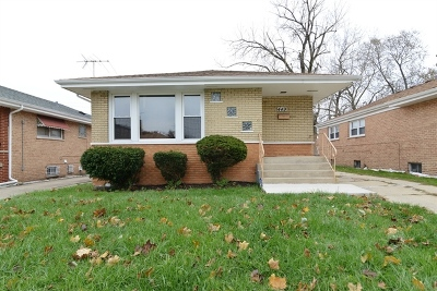 Calumet City  Single Family Home For Sale: 449 Oglesby Avenue