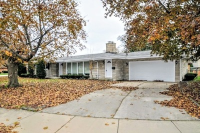 South Holland Single Family Home For Sale: 1007 East 153rd Place