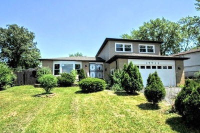 Hazel Crest Single Family Home For Sale: 17711 Oakwood Drive