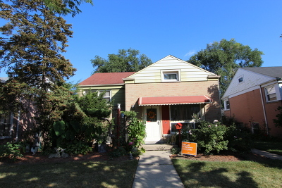 Skokie Single Family Home For Sale: 8733 Saint Louis Avenue