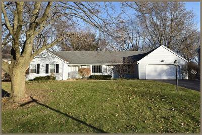 Batavia Single Family Home Contingent: 1034 Woodland Hills Road