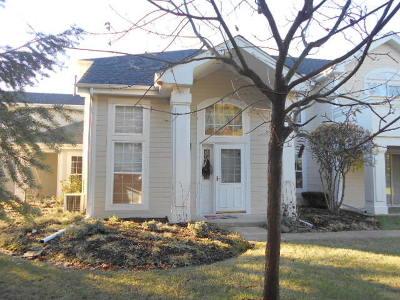 Batavia Condo/Townhouse Contingent: 1324 Spencer Lane