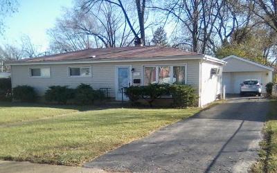 Villa Park Single Family Home For Sale: 627 West Ridge Road