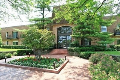 Highland Park Condo/Townhouse Contingent: 1220 Park Avenue West #112