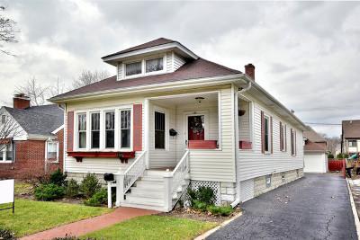 Elmhurst Single Family Home For Sale: 144 North Myrtle Avenue