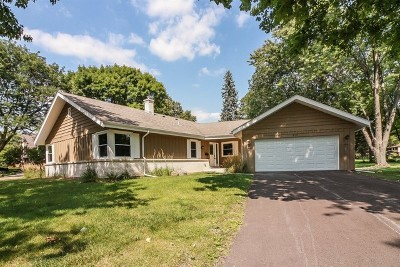 Naperville Single Family Home For Sale: 812 Heatherton Drive