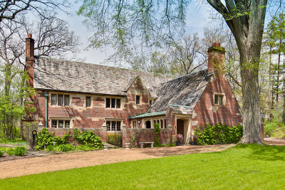 Lake Forest Single Family Home For Sale: 990 East Illinois Road