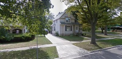 St. Charles Single Family Home For Sale: 621 Oak Street