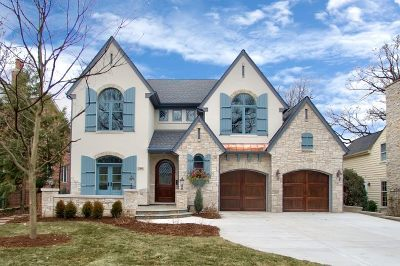 Oak Brook Single Family Home For Sale: 11 Carriage Court