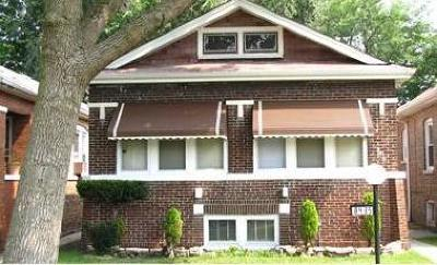 Single Family Home For Sale: 8435 South Oglesby Avenue