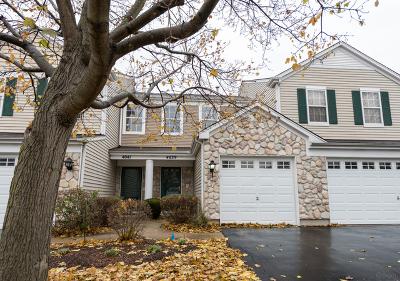 Plainfield Condo/Townhouse For Sale: 4039 Oak Tree Lane #4039