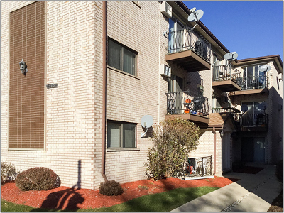 Chicago Condo/Townhouse New: 6839 North Northwest Highway #1A