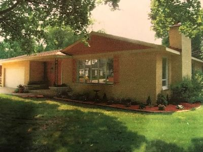Crystal Lake IL Single Family Home New: $238,900