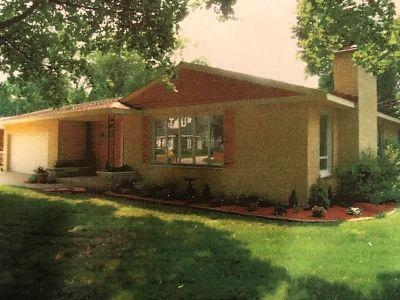 Crystal Lake Single Family Home For Sale: 414 Lakeside Road