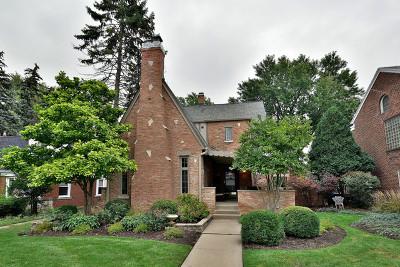 Oak Park Single Family Home For Sale: 1212 Woodbine Avenue