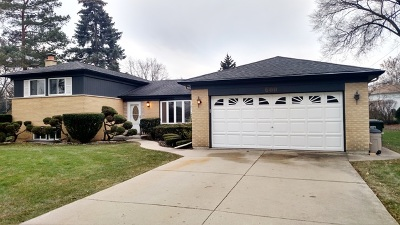Single Family Home For Sale: 600 South Busse Road