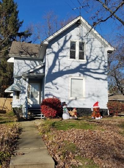 Joliet, Shorewood Rental : 425 West Division Street #2