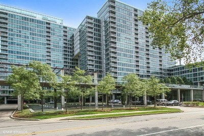 Skokie Condo/Townhouse For Sale: 9655 Woods Drive #1211