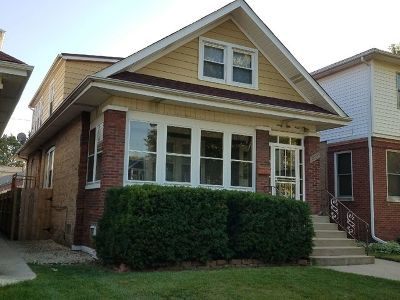 Chicago IL Multi Family Home For Sale: $359,900