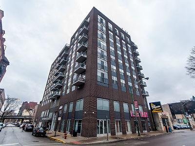Chicago IL Condo/Townhouse New: $200,000