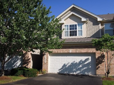 Bartlett Condo/Townhouse For Sale: 1442 Quincy Bridge Court #1442