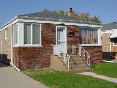 Calumet Park Single Family Home For Sale: 12716 South May Street