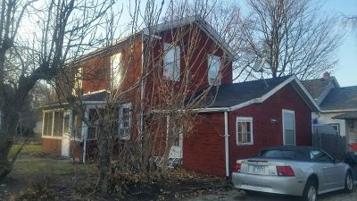 St. Charles Single Family Home For Sale: 218 Indiana Street