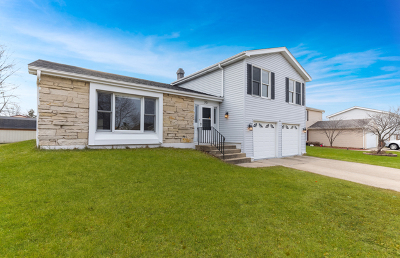 Glendale Heights Single Family Home Contingent: 301 North Brandon Drive