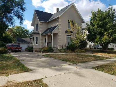 East Dundee IL Single Family Home For Sale: $169,900