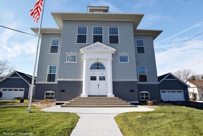 Batavia Condo/Townhouse For Sale: 607 South Jefferson Street