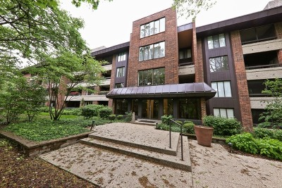 Hinsdale Condo/Townhouse Price Change: 1401 Burr Oak Road #312B
