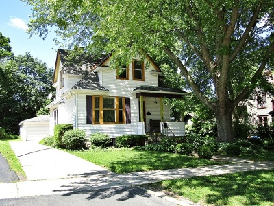St. Charles Single Family Home For Sale: 411 South 6th Street