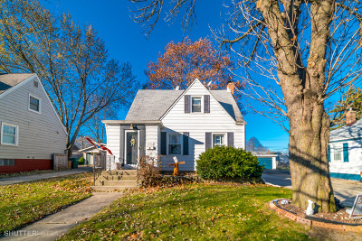 Westchester IL Single Family Home For Sale: $215,900