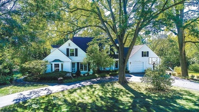 Glen Ellyn, Wheaton, Lombard, Winfield, Elmhurst, Naperville, Downers Grove, Lisle, St. Charles, Warrenville, Geneva, Hinsdale Single Family Home For Sale: 44 South Washington Circle