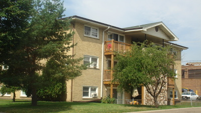 Addison Multi Family Home For Sale: 524 Green Oaks Court