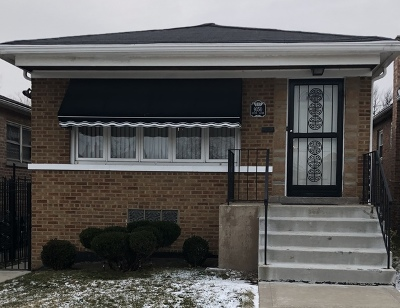 Chicago  Single Family Home For Sale: 9350 South Clyde Avenue