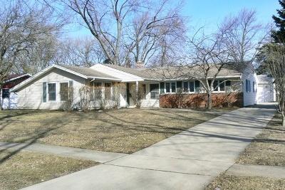 Schaumburg Single Family Home For Sale: 1610 Winthrop Lane