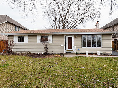 Elmhurst Single Family Home For Sale: 609 South Rex Boulevard