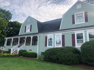 Hampshire Single Family Home For Sale: 290 South State Street