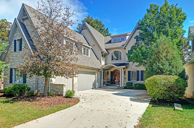 Clarendon Hills Single Family Home For Sale: 251 Coe Road