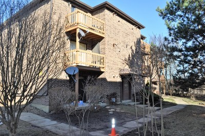 Lisle Condo/Townhouse Contingent: 2220 Abbeywood Drive #A
