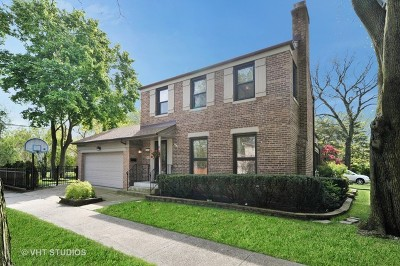 Chicago Single Family Home For Sale: 6805 North Moselle Avenue