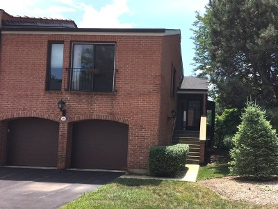 Oak Brook Condo/Townhouse For Sale: 19w285 Palace Green Lane