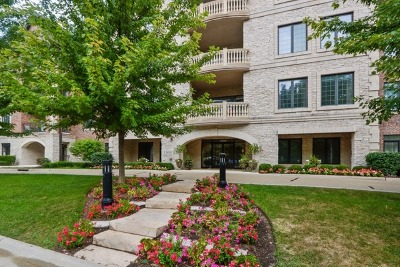 Lake Forest Condo/Townhouse For Sale: 1800 Amberley Court #402