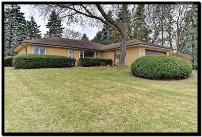 Willowbrook Single Family Home For Sale: 523 63rd Street